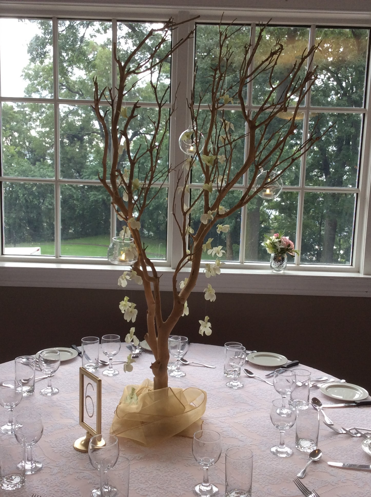 Centerpieces with all my heart wedding decor