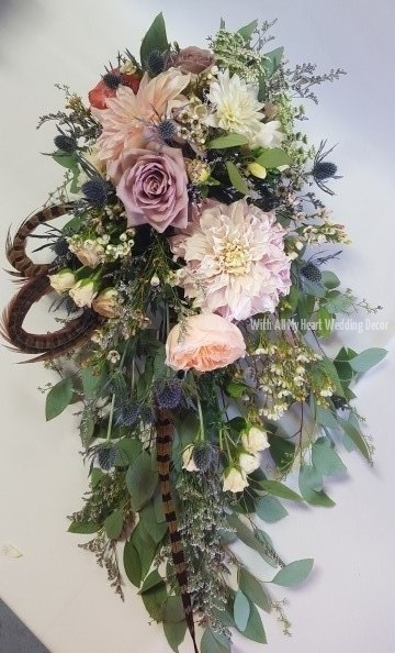 17a wild garden look bridal bouquet